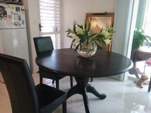 Pedestal Table 800x600